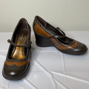 SPRING retro two toned brown wedge Mary Janes 38